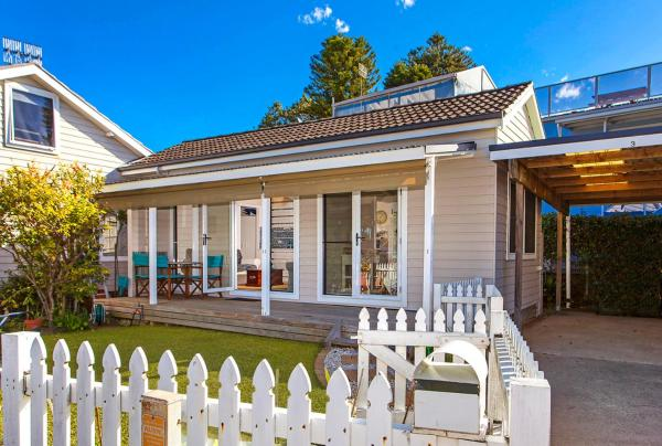 Hotellbilder: Sandy Corner - Cottage by the Sea, Avoca Beach