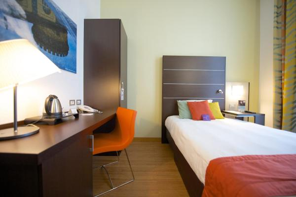 Standard Room with 1 Single Bed
