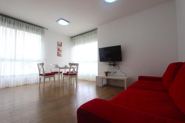 One-Bedroom Apartment 403