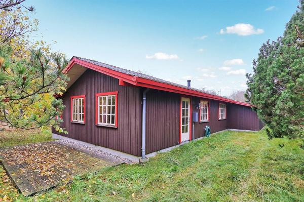 Hotel Pictures: Bindslev Holiday Home 18, Tannisby