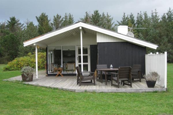 Hotel Pictures: Løkken Holiday Home 73, Nørre Rubjerg