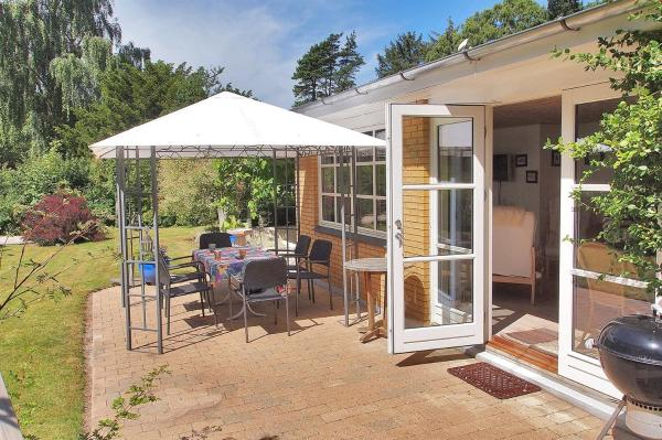 Hotel Pictures: Vejby Holiday Home 726, Vejby