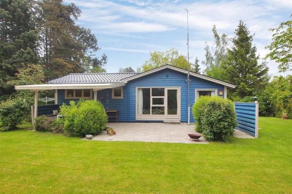 Hotel Pictures: Idestrup Holiday Home 680, Bøtø By