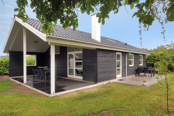 Hotel Pictures: Karrebæksminde Holiday Home 713, Karrebæksminde
