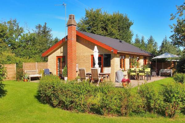 Hotel Pictures: Hals Holiday Home 475, Hou
