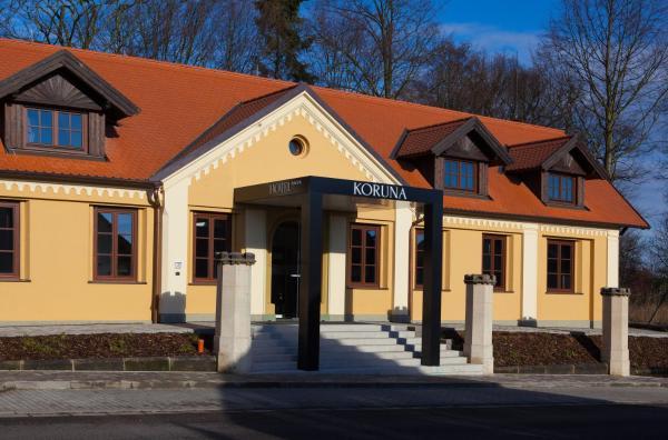 Hotel Pictures: Hotel Koruna, Chlumec nad Cidlinou