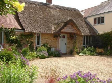 Hotel Pictures: Munden House, Sherborne