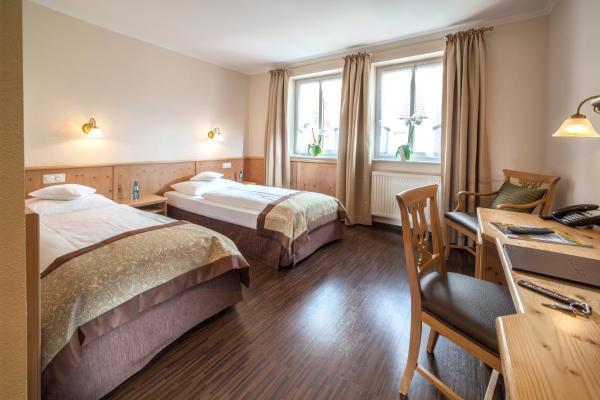 Hotel Pictures: Hotel Eschenhof, Kirchheim