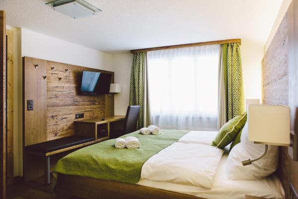 Hotel Pictures: Baeren Restaurant & Rooms, Andermatt