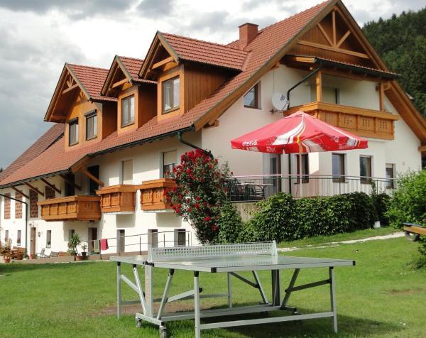 Hotellikuvia: Tscharnighof, Mittertrixen