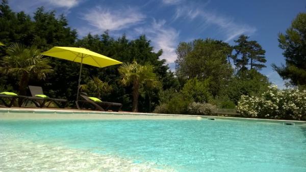 Hotel Pictures: La Bastide De Negra, Villenouvelle