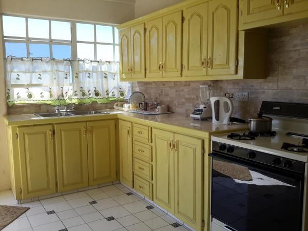 Hotel Pictures: Jevine Home Rentals, Salisbury