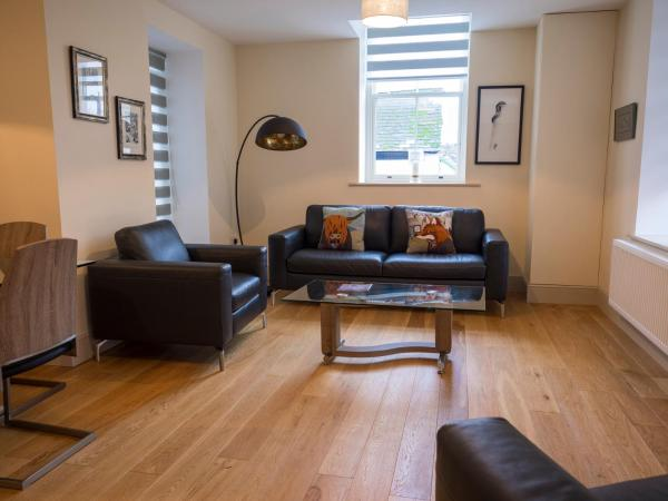 Hotel Pictures: CS Serviced Apartments, Ulverston