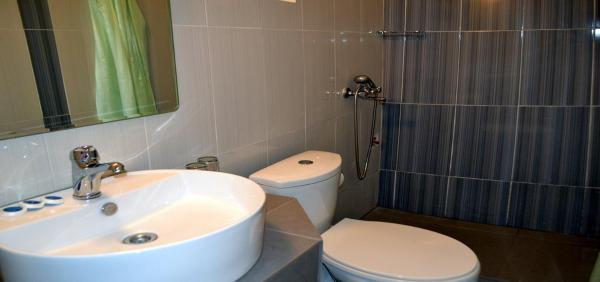 Economy Double or Twin Room with Private Bathroom (2 Adults)