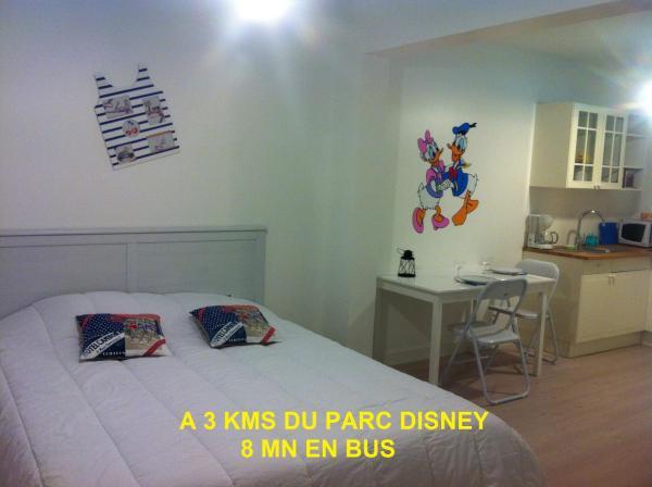 Hotel Pictures: Gîtes Poirier Bazin, Montry