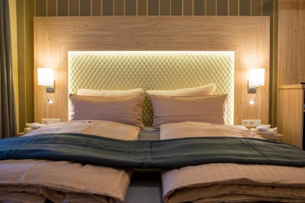 Hotel Pictures: Landhotel Zur Post, Bad König