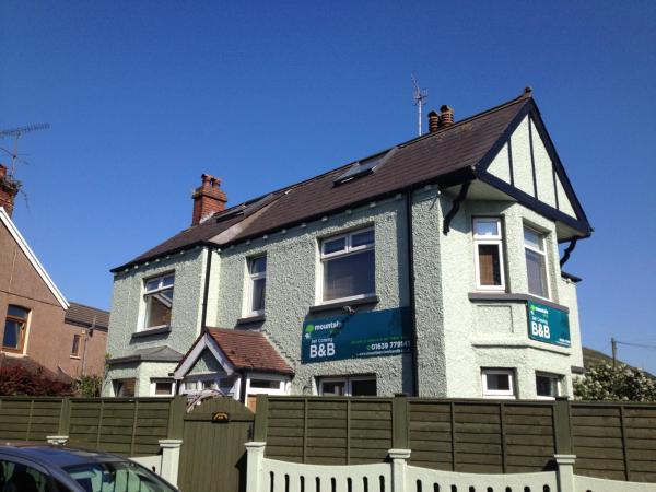 Hotel Pictures: Mountain View B&B, Port Talbot