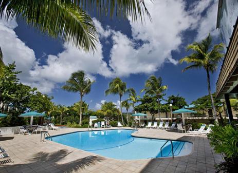 Hotel Pictures: Sapphire Village Resort, Donoe
