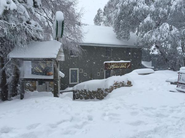 ホテル写真: Feathertop Alpine Lodge, Falls Creek
