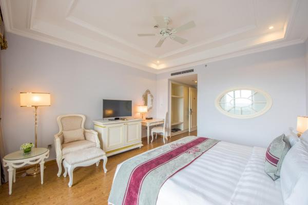 Deluxe Double or Twin Room (Free airport transfer)