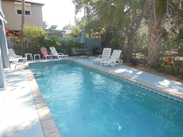 Hotel Pictures: 110 Hercules Lane Holiday Home, Fort Myers Beach
