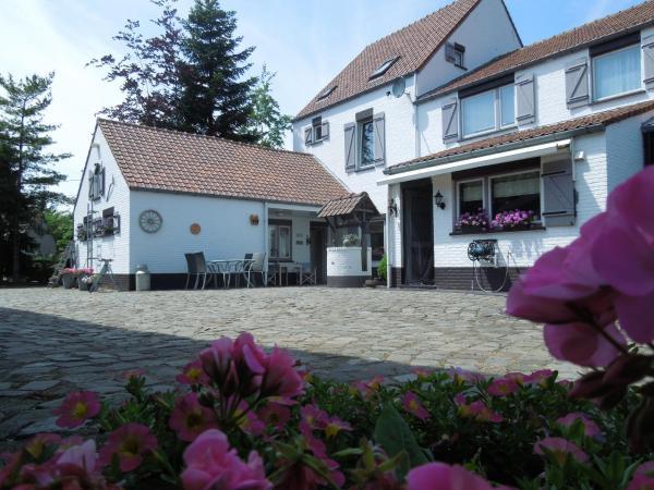 Hotel Pictures: B&B De Kroonhoeve, Beverlo