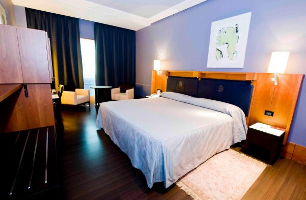 Hotel Pictures: Apartamentos Gran Lakua, Vitoria-Gasteiz