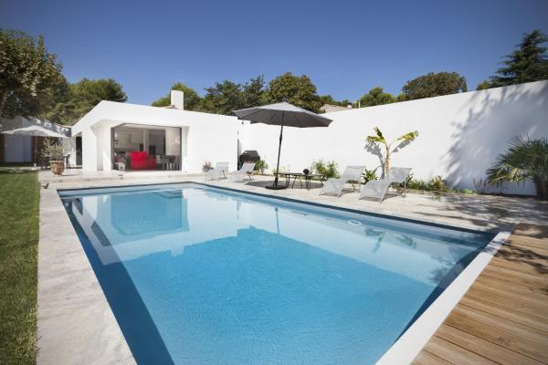 Hotel Pictures: Gorgeous contemporary villa, Aix-en-Provence