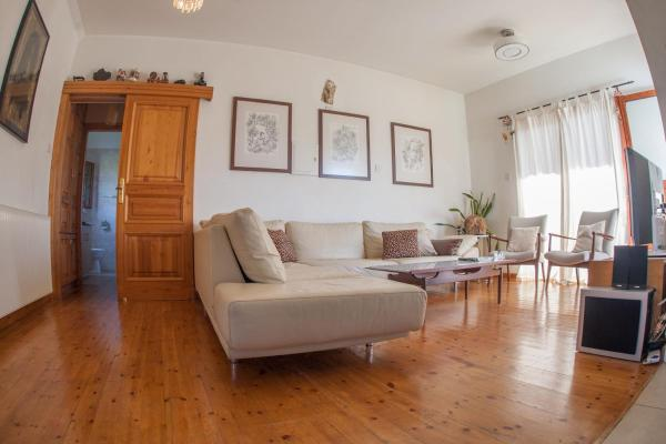Hotel Pictures: Lania Royal Oak Villa, Lania