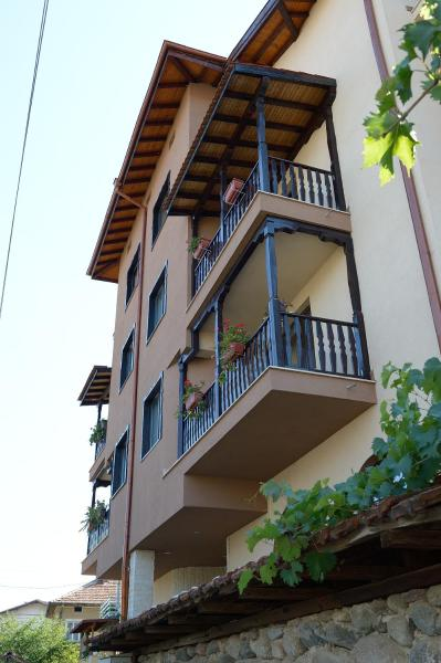 Фотографии отеля: Family Hotel Demetra, Berkovitsa