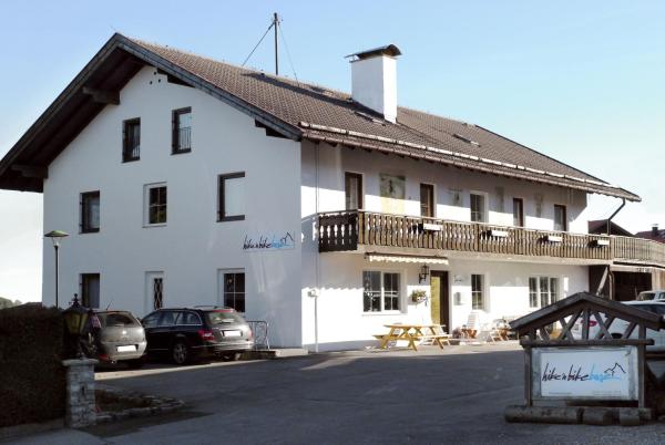 Hotel Pictures: Hike 'n Bike Base, Bad Kohlgrub