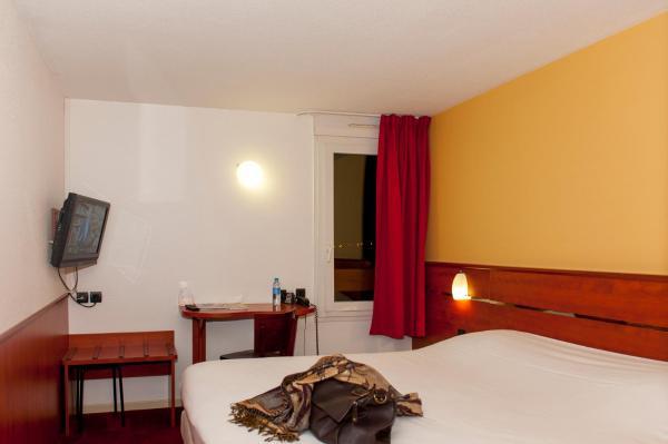 Hotel Pictures: Brit Hotel Agen - L'Aquitaine, Le Passage
