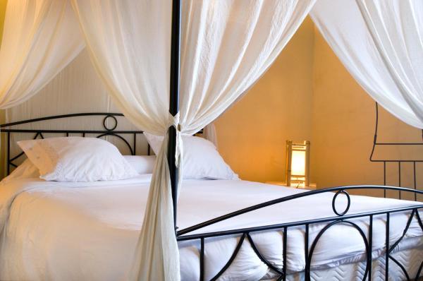 Hotel Pictures: Chambres d'Hôtes Jauregia, Saint-Étienne-de-Baïgorry
