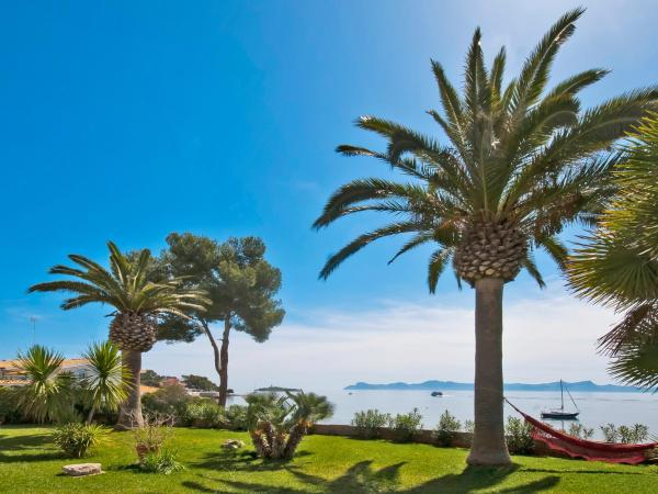 Hotel Pictures: Villa Vida Sana Terrace, Felanitx
