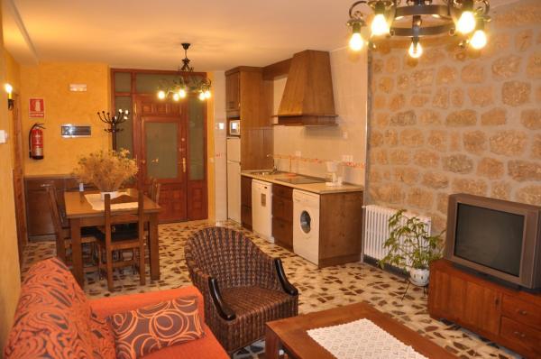 Hotel Pictures: Casa Rural Bocanegra, Canicosa de la Sierra