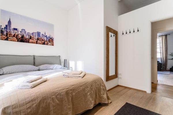 One-Bedroom Apartment