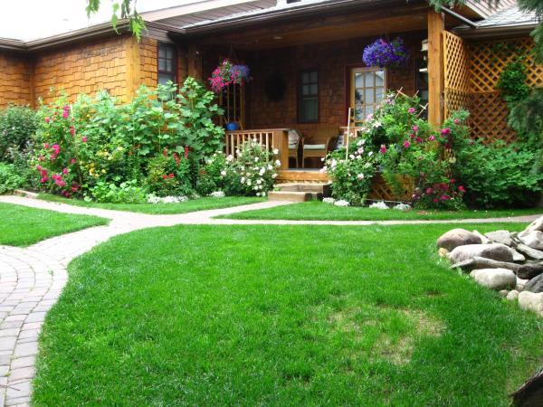 Hotel Pictures: Tending Gardens B&B, Calgary
