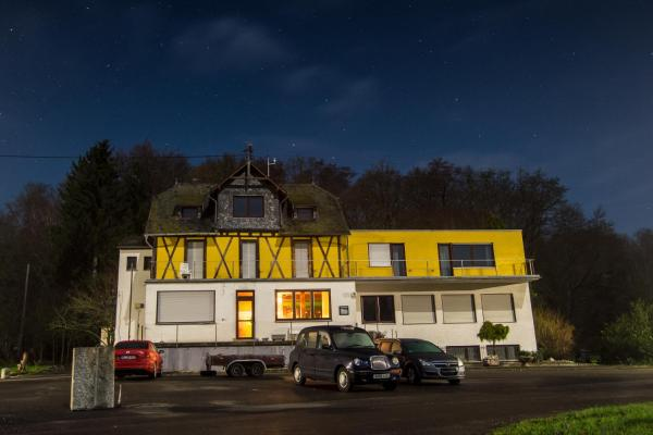 Hotel Pictures: The Venue Frankfurt-Hahn Airport (Shuttle and Car Parking), Hirschfeld