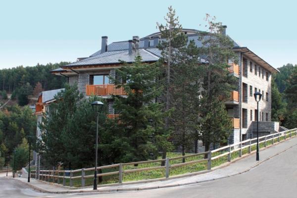 Hotel Pictures: Apartamentos Costarasa, La Molina