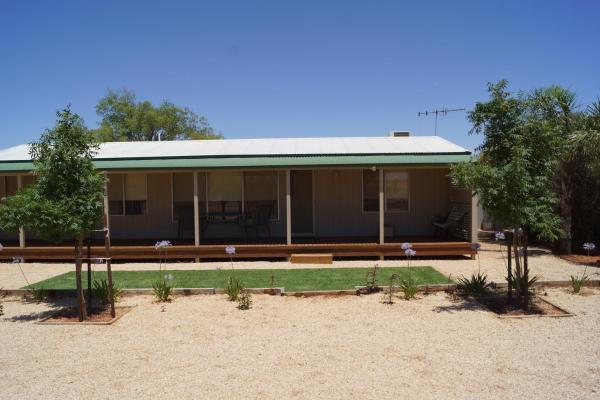 Hotel Pictures: Relax Retreat Accommodation, Loxton