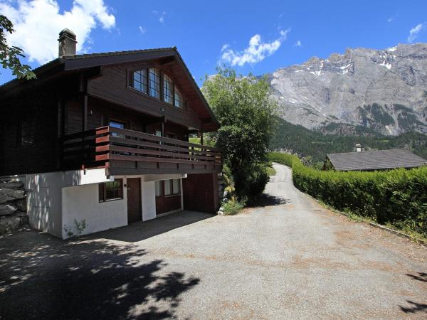 Hotel Pictures: Chalet Verbois, Chamoson