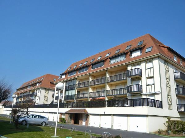 Hotel Pictures: Apartment Super Deauville.24, Villers-sur-Mer