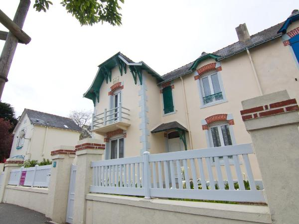 Hotel Pictures: Holiday Home Anatole, Quiberon