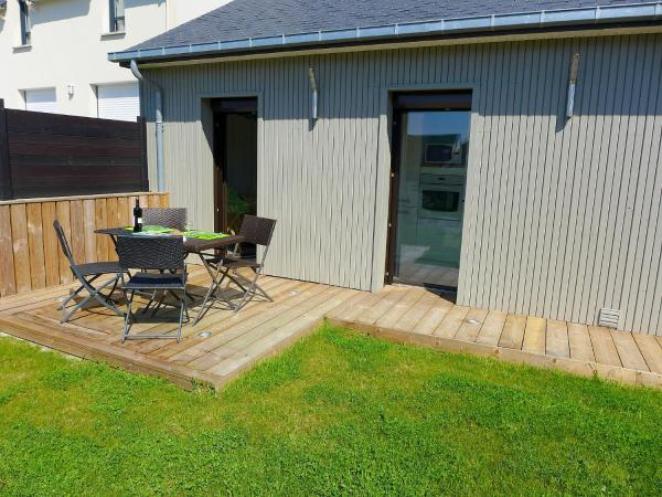 Hotel Pictures: Holiday Home Chevret, Saint-Coulomb