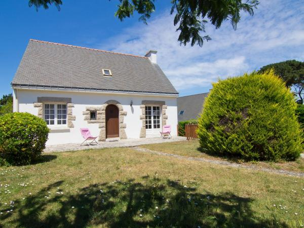 Hotel Pictures: Holiday Home Quilvy.1, Saint-Pierre-Quiberon