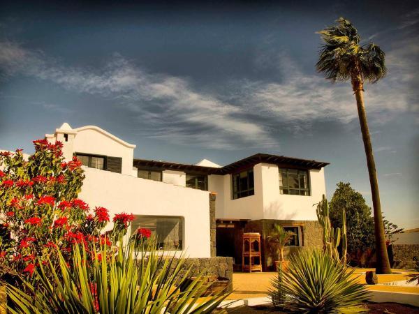 Hotel Pictures: Farm Stay Casa Perdomo, Family Retreat, Masdache