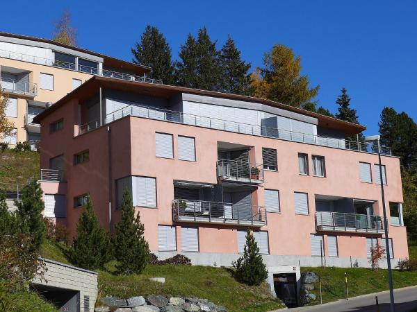 Hotel Pictures: Apartment Chesa Crusch 7, Sankt Moritz-Bad