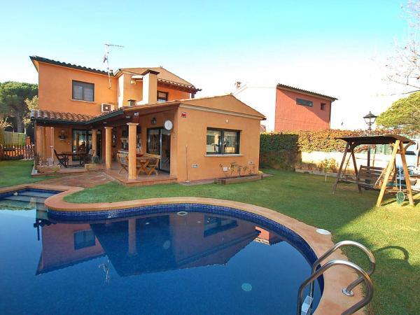 Hotel Pictures: Holiday Home Villa Lidia, Santa Cristina dAro