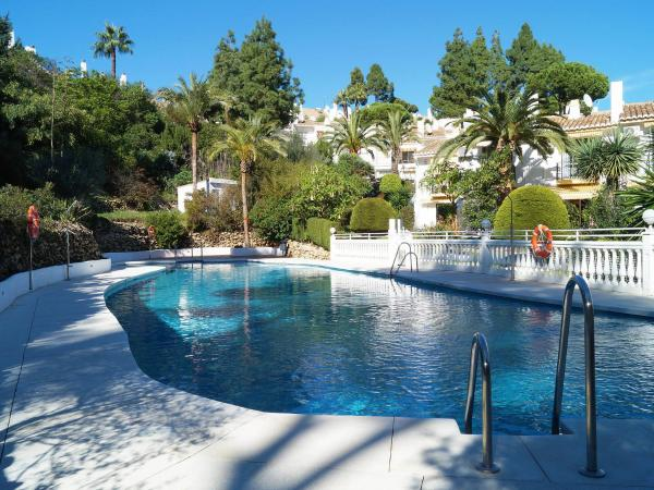 Hotel Pictures: X_LICENSE_NUMBER_ISSUE_X, Mijas Costa