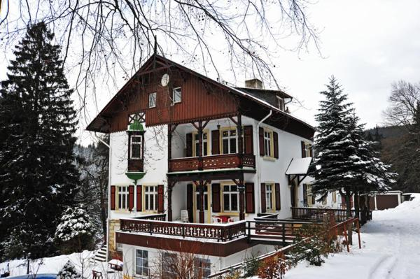 Hotel Pictures: , Waldbärenburg